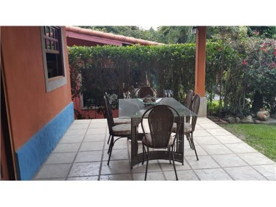 Bella casa en Guachipelin. FULL FURNISHED.