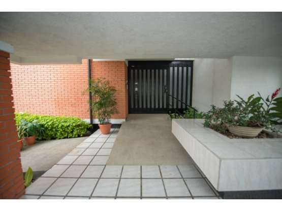 Comercial house for rent. 5000 sq.F. REDUCED!!!