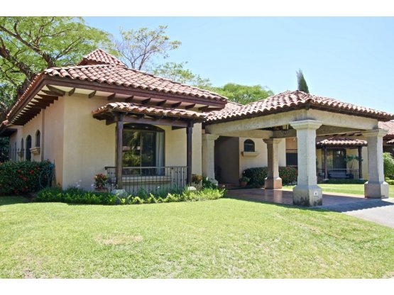Country Wood Casa-Home for sale Lindora