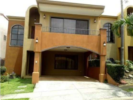 AMAZING CONDOMINIUM FOR RENT