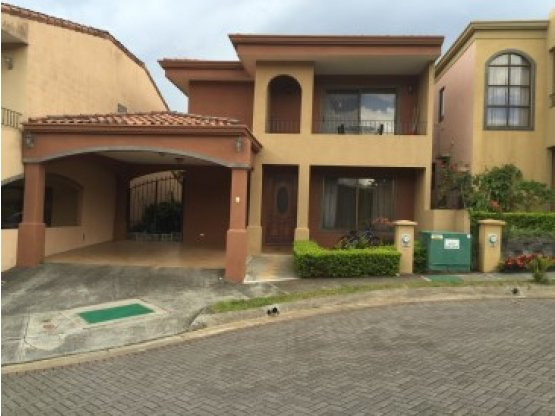 HEREDIA TOWNHOME IN SPECIAL GATED COMMUNITY