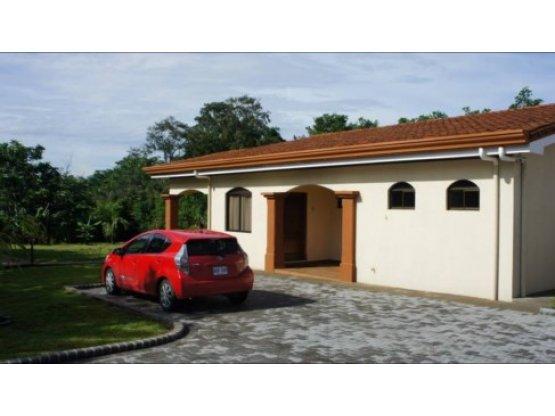 Live in Cute Property furnished! -