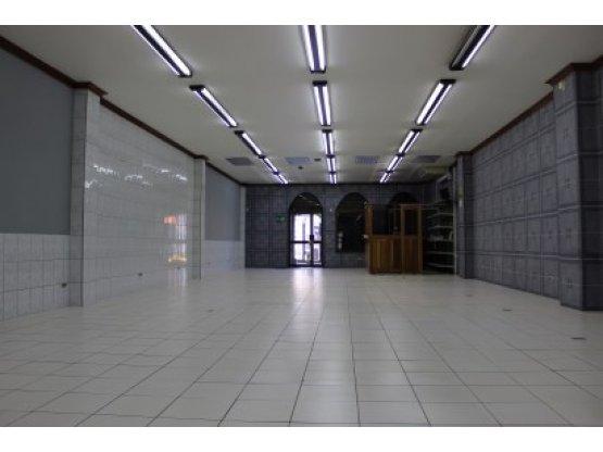 Edificio comercial único en Alajuela Centro