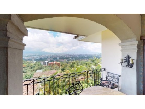 Amazing Views in Gated Upscale Jaboncillos