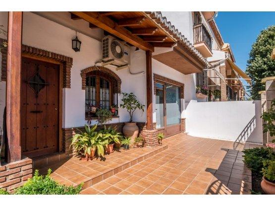 Casa en Cúllar Vega (Granada)