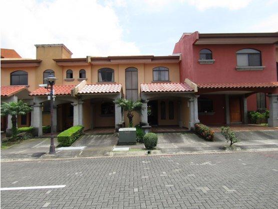 Casa en San Joaquín de Flores