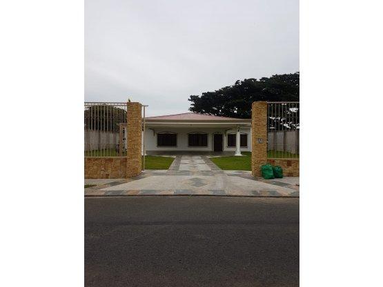 Casa de Lujo en San Joaquín de Flores