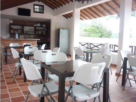 VENDO HOTEL ACREDITADO EN CHINACOTA