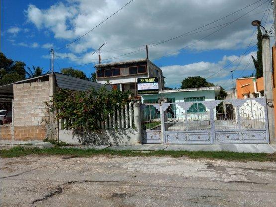 Venta de Casa en Champotón-Centro terreno grande.