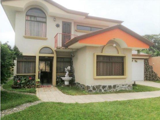 Bellísima casa en San Luis , Sto. Domingo