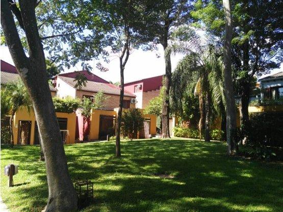 Alquiler de Duplex en Condominio. Barrio Felicidad