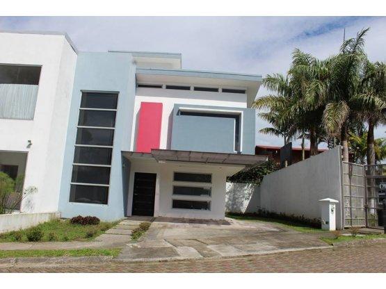 Se Vende Casa en Condominio Génesis, Montes de Oca