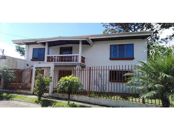 Se vende casa en Curridabat.