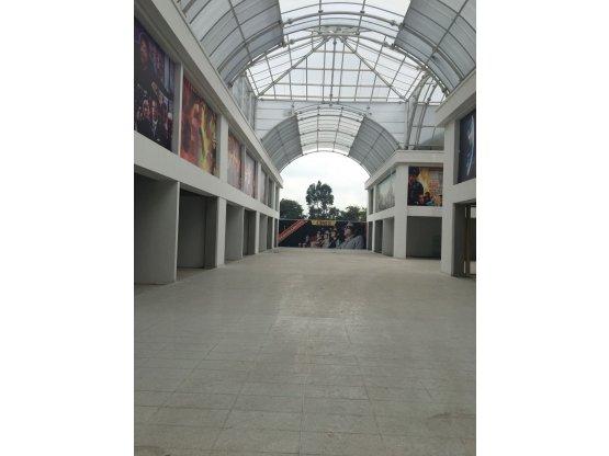 Se Arrienda Local C.C Arena Bogota