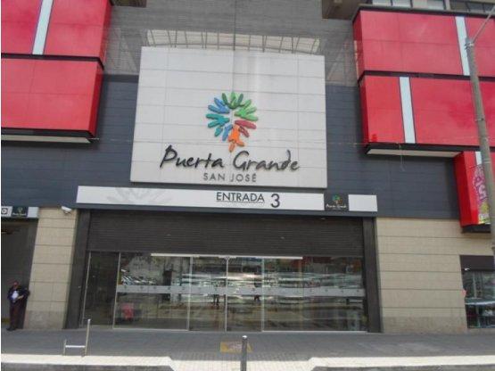 Local C.C. Puerta Grande, San Andresito