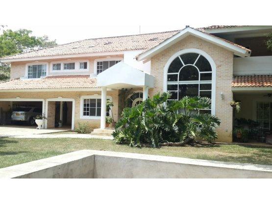 Casa en parcelacion Pance (J.C).