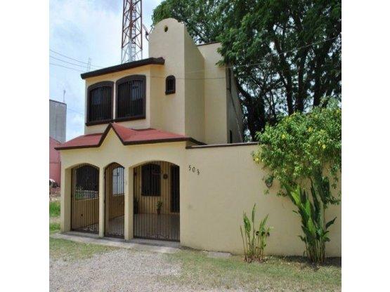 RENTA - Casa Av. Universidad, Villahermosa