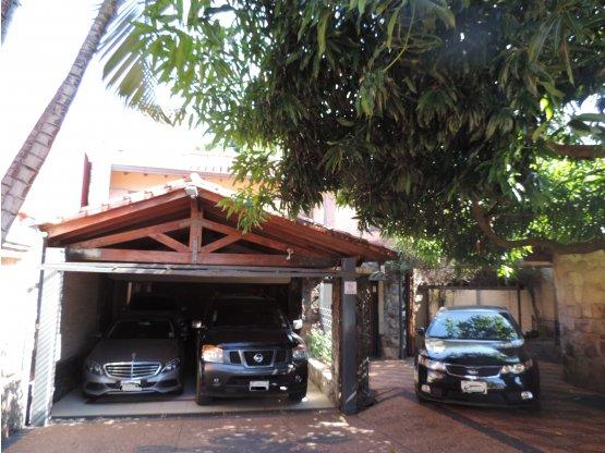 Casa en VENTA Lambare + 2 propiedades