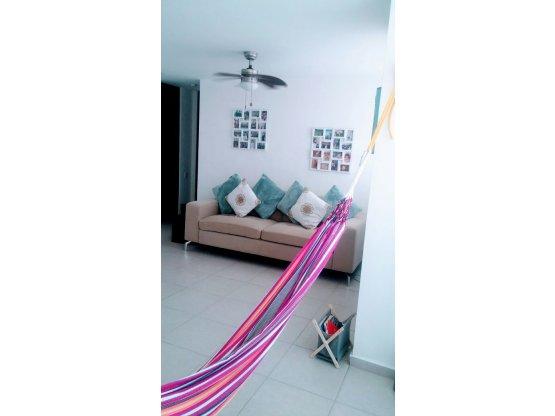Alquilo Apartamento de 2R/2B El Bosque