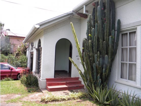 Casa para restaurar o Lote para desarrollar