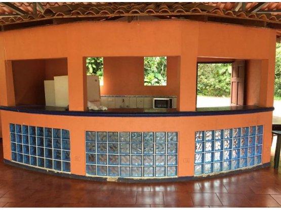 Hermosa Quinta con piscina en Esparza Puntarenas