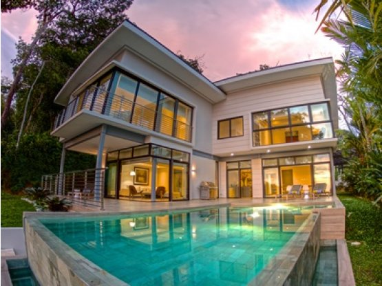 Preciosa casa con vista al mar en Uvita
