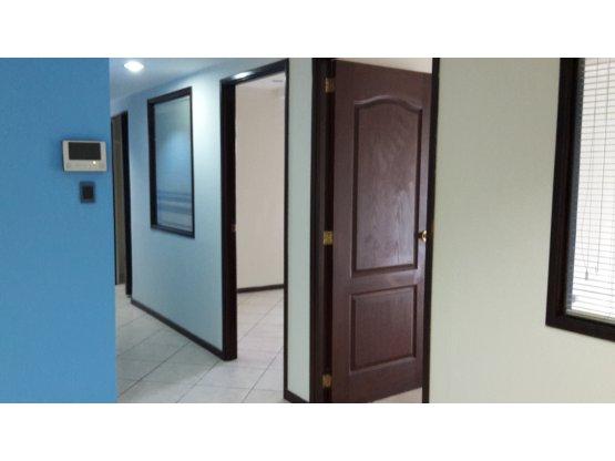 Oficina en Renta, Edificio Etisa zona 9