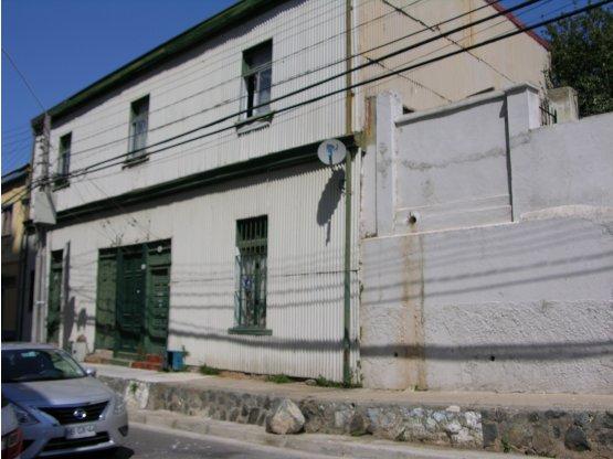 Venta  Tres Casas en una en Sector de Playa Ancha