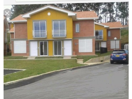 Se vende casa en Montemayor Littletown