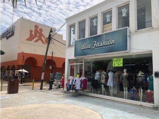 Edificio comercial en avenida Tulum en venta