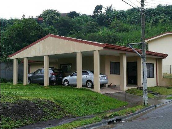 Se vende casa en condominio en Moravia