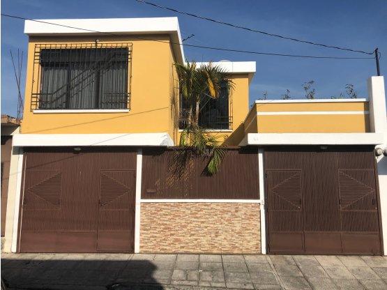 Casa en Villas del Rosario, Zona 4 Mixco