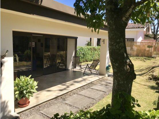 Acogedora casa en Santa Ana