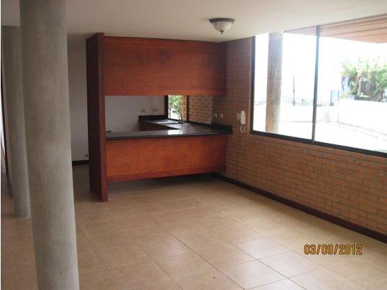 Condominio en Sabanilla cerca Colegio Metodista