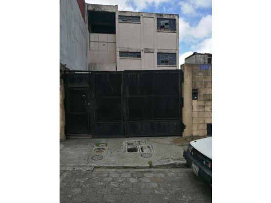 Edifico De Apartamentos #Z8 #Bolívar/I