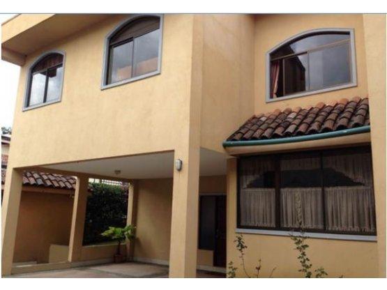 Casa en Condominio en Pinares