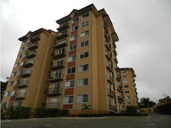 Apartamento en un 6to nivel, Escazú, San Rafael
