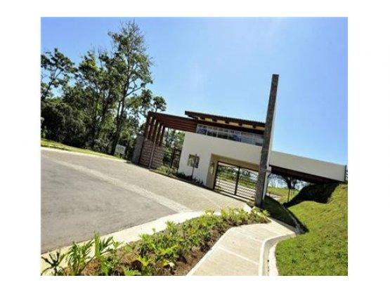 Lote en privado residencial, Lomas de Ayarco