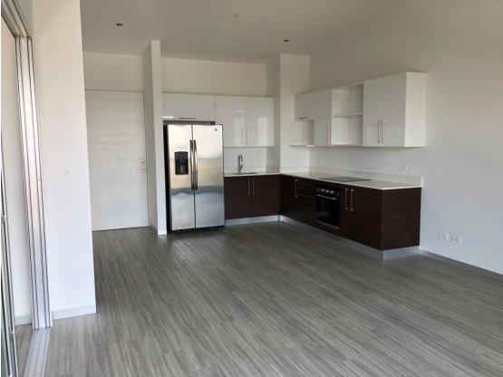 Apartamento en alquiler en Barrio Dent,  Ref/ 3180