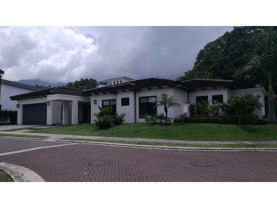 Casa en Santa Ana / Una planta 871468