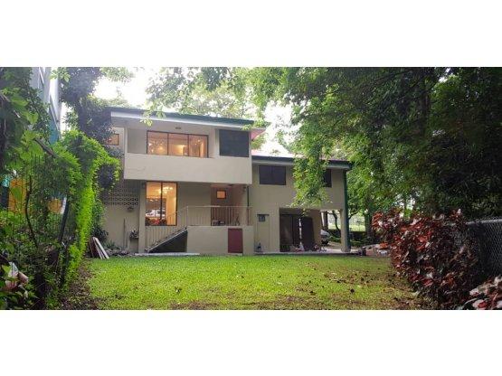 Casa en Venta en Santa Ana, Uso Mixto.-  REF/ 3227
