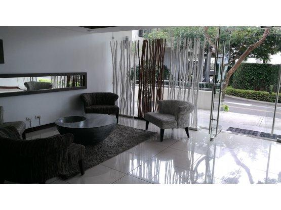 Apartamento en Heredia / Contemporaneo 820672