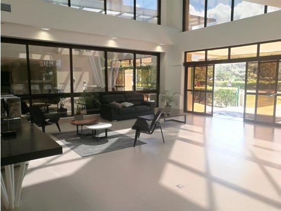 Oficina en Alquiler en Lindora, Santa Ana-1025162