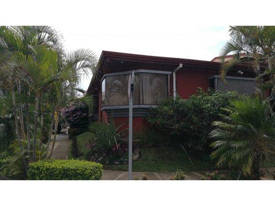 Casa en Alquiler en Escazu, San Rafael.- Ref 3214