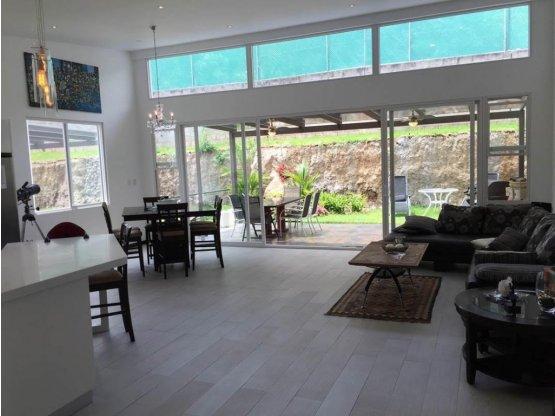 Casa en Venta en Santa Ana, en Condomino.  542416