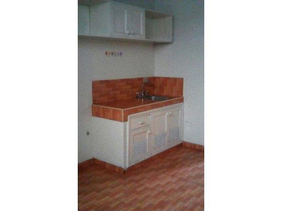 Se alquila apartamento en Florencia Norte