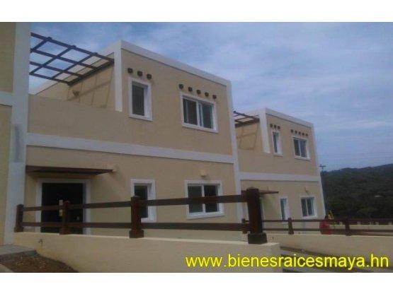 Se vende casa en la residencial Roatan One