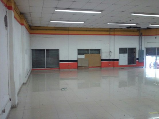 Se alquila local comercial en Barrio Concepción