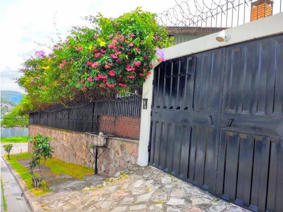 Se alquila casa en la colonia Loma Linda Norte