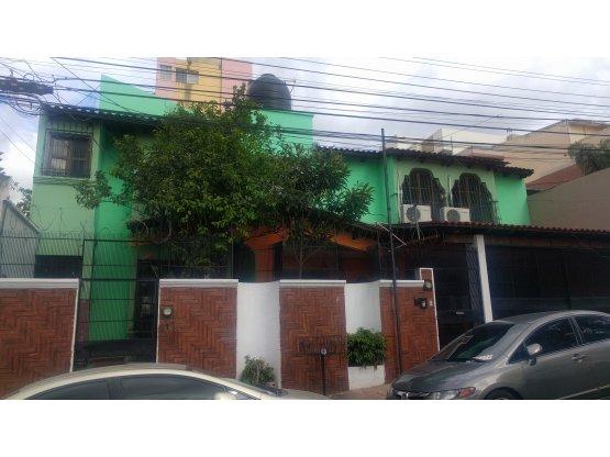 Se vende casa en la colonia Montecarlo